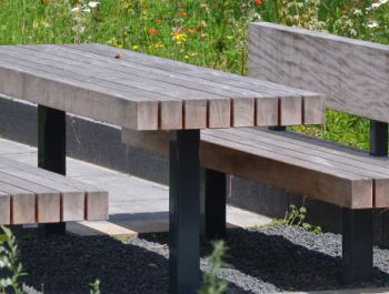 Modern Outdoor Table.Bench | MODERNi