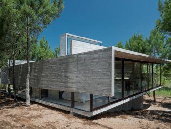 Argentinian Summer House | Luciano Kruk