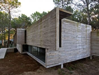 Valeria House | Luciano Kruk + María Victoria Besonías
