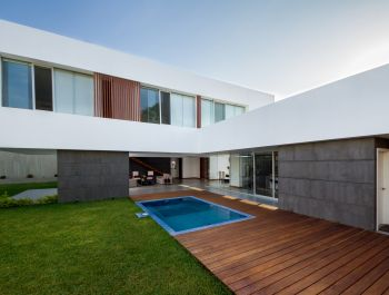PiuraHouse | AI2 Design