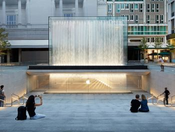 Apple Piazza Liberty | Foster Partners