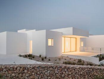 Villa Catwalk | Nomo Studio