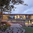 Moat's Corner House / Vibe Design Group