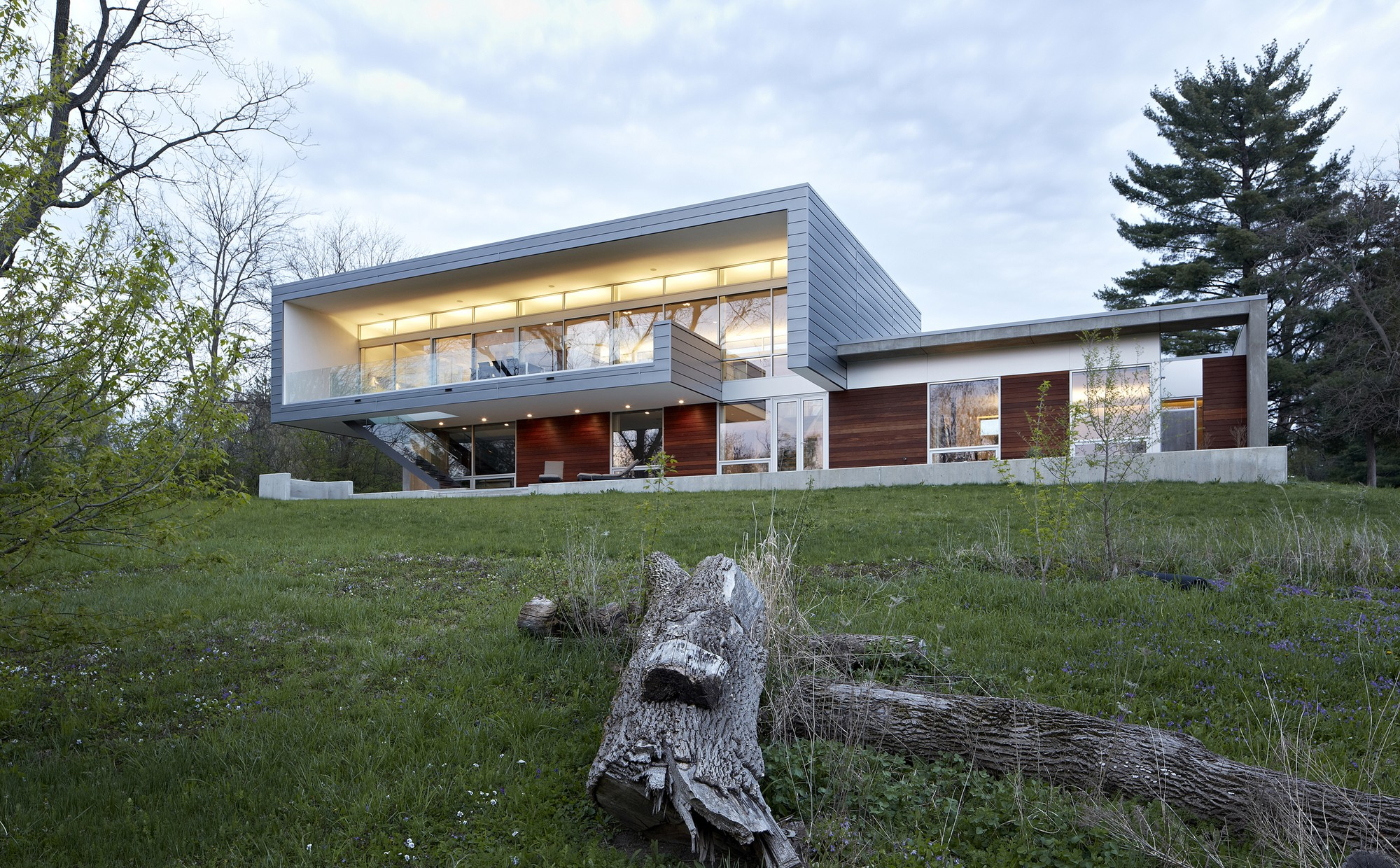 54373306c07a80a74a000073_riverview-house-studio-dwell-architects_riverview_house_studio_dwell_architects_archdaily_a