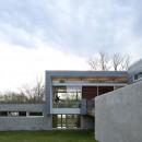 54373351c07a80e4c8000060_riverview-house-studio-dwell-architects_riverview_house_studio_dwell_architects_archdaily_f