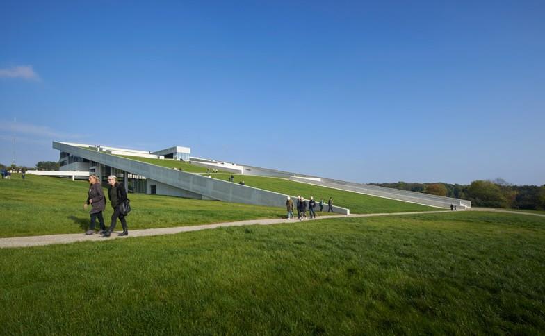 Moesgaard-Museum-by-Henning-Larsen-Architects-Martin-Schubert_dezeen_784_2