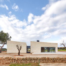 Stone-Clubhouse-by-GRAS-arquitectos_dezeen_784_1