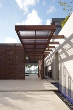 Modern entry moderni research for Modern building canopy design