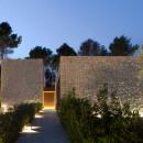 casa-piedra-muros-entrada