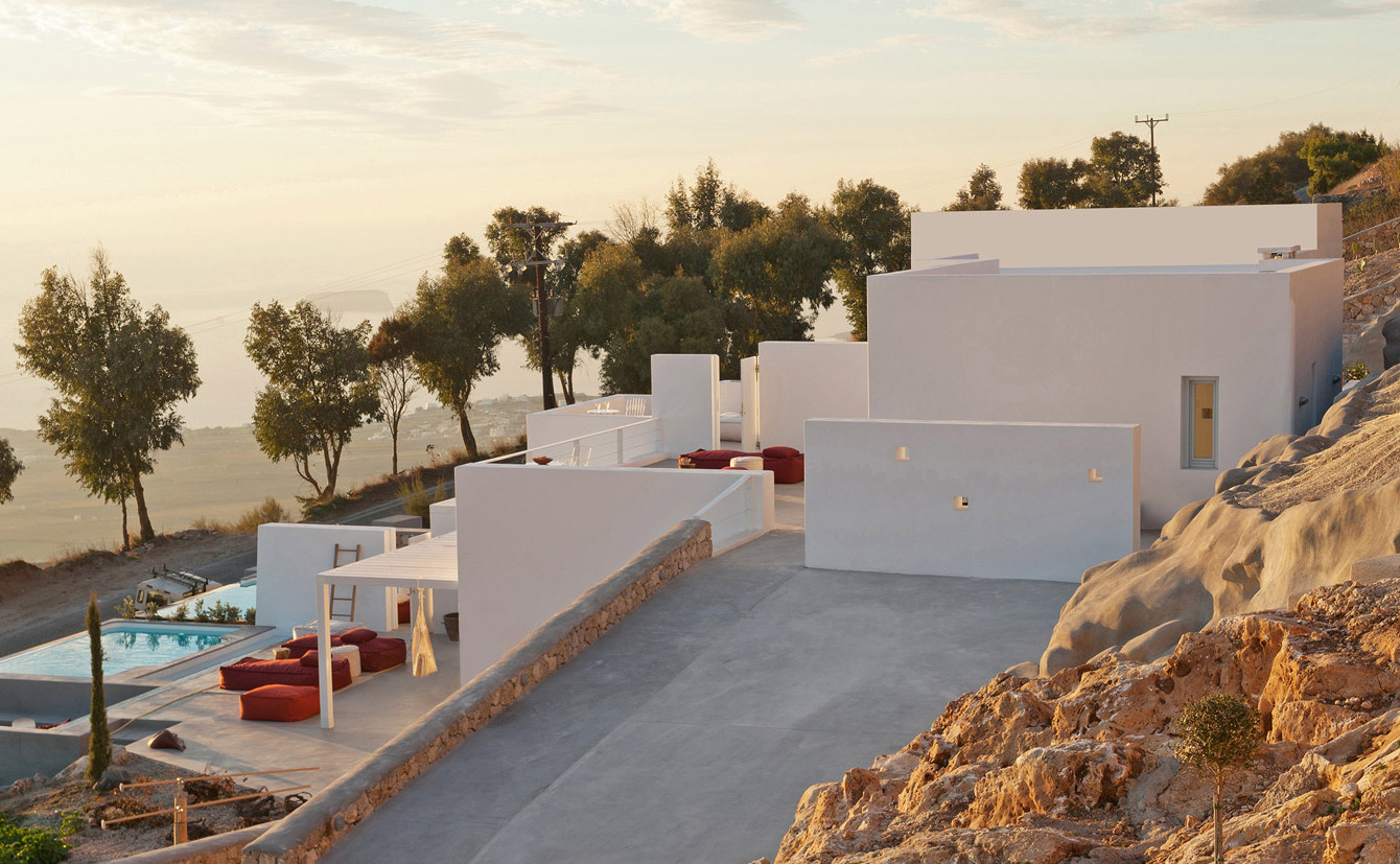 Summer-house-on-the-mountain_Kapsimalis-Architects_Prophet-Ilias_Santorini-Island_Greece_dezeen_1568_4