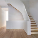 White-Snake_Staircase_Space4Architects_New-York-townhouse_dezeen_1568_0