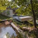 carvalho-araujo-casa-geres-house-portugal-designboom-01-818x545