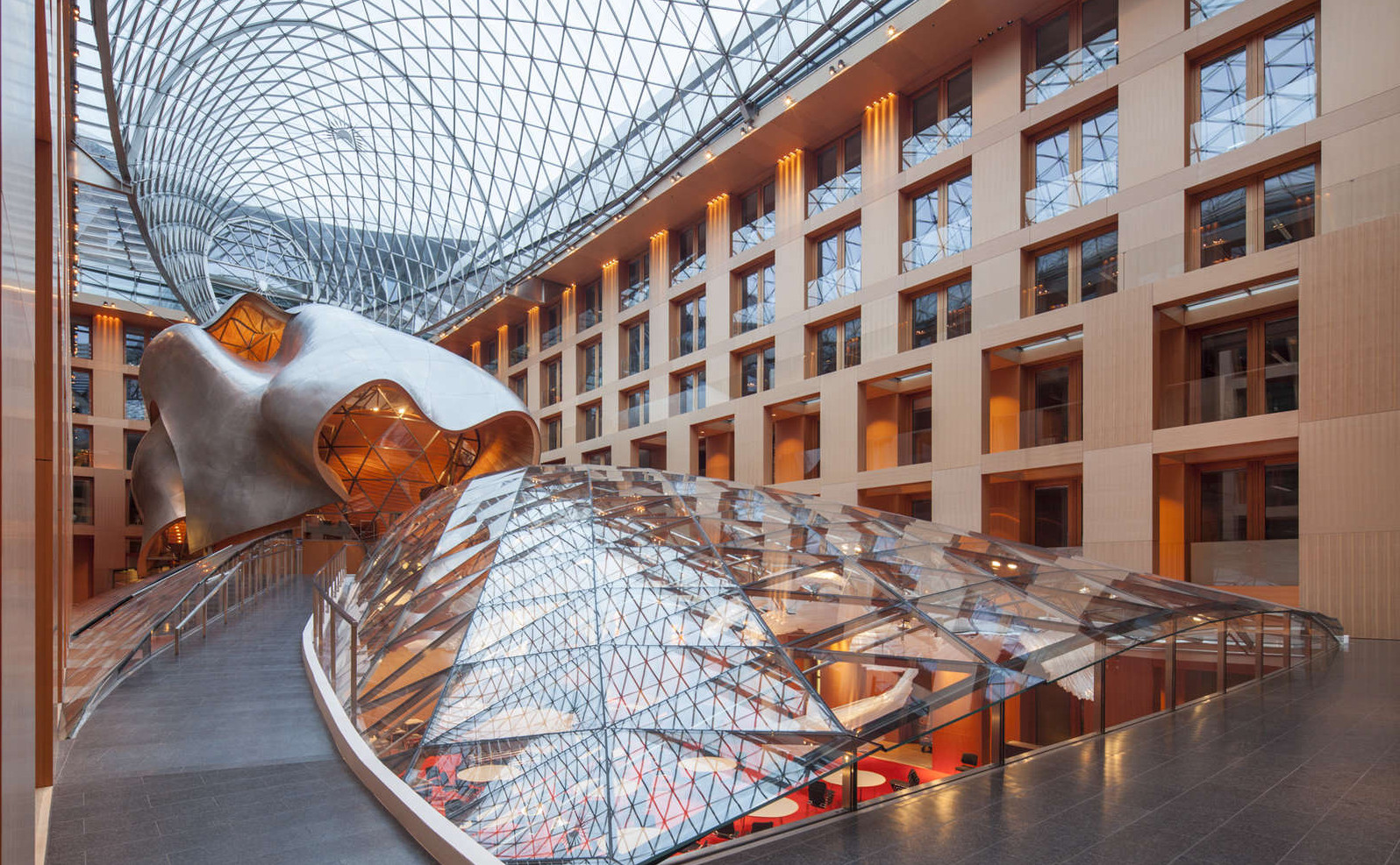 Frank Gehry Chaise Carton mi classic] dz bank berlin   frank gehry