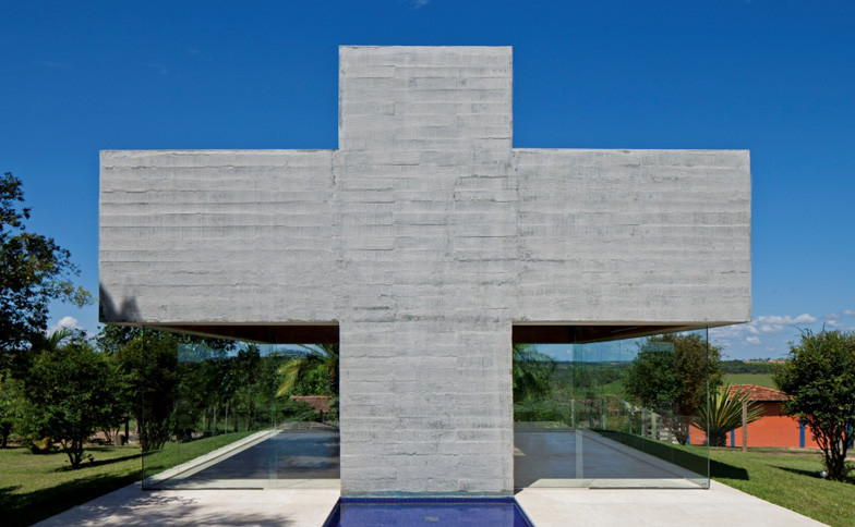 dezeen_All-Saints-Chapel-by-Gustavo-Penna_ss_2