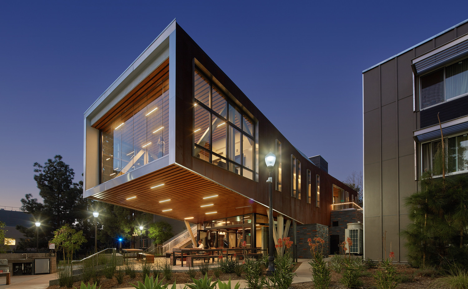 UCLA Saxon Suites | Studio E Architects