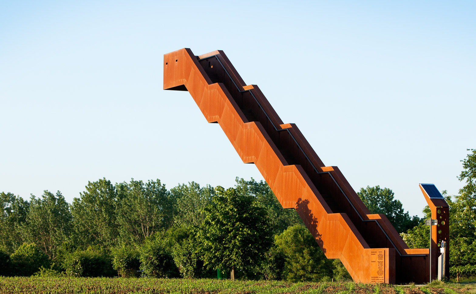 vlooyberg-tower-tieltwinge-close-to-bone-belgium-landscape-architecture-tower-stairway-weathered-steel_dezeen_1568_2