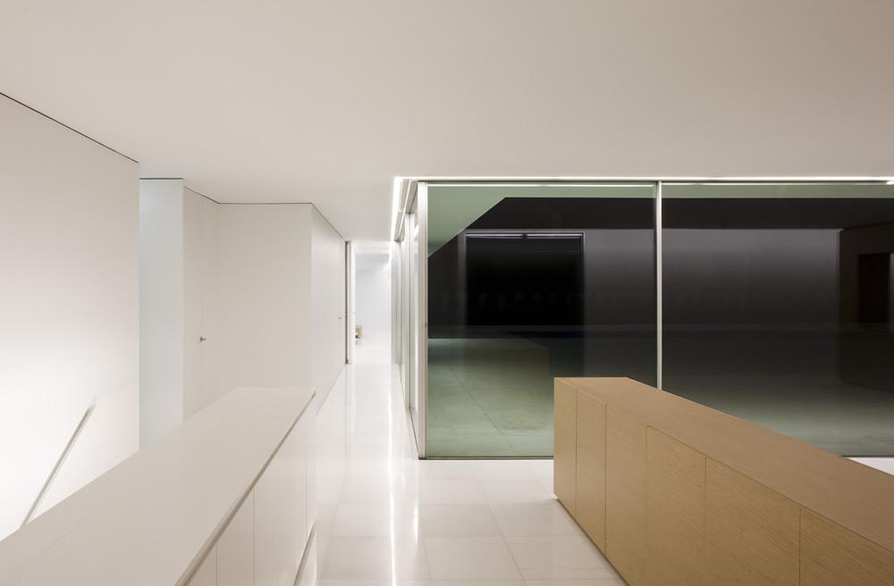 Atrium house fran silvestre arquitectos for Atrium inside house