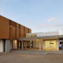House0405-SimpraxisArchitects-Lakatamia-Cyprus-2010-Parklex-Facade-Gold-02