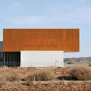 House0405-SimpraxisArchitects-Lakatamia-Cyprus-2010-Parklex-Facade-Gold-03