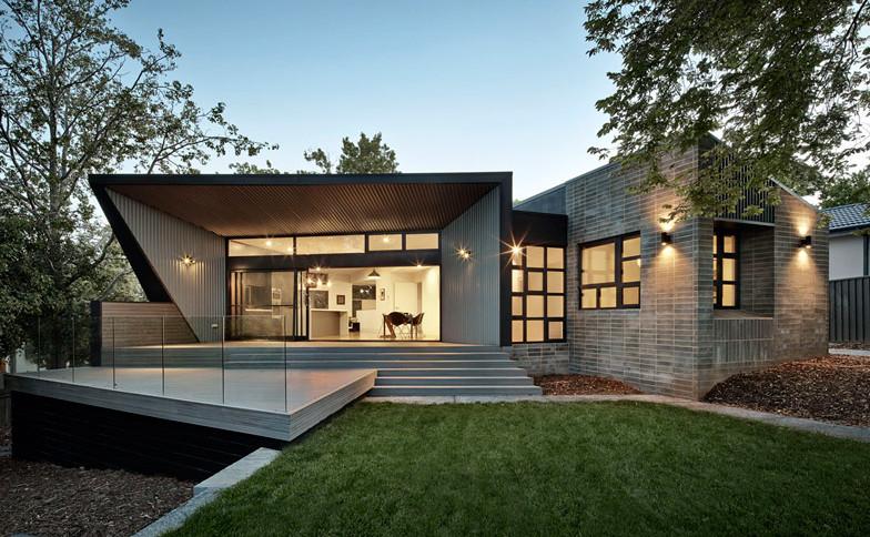 Narrabundah-House-Canberra-by-Adam-Dettrick_dezeen_784_2