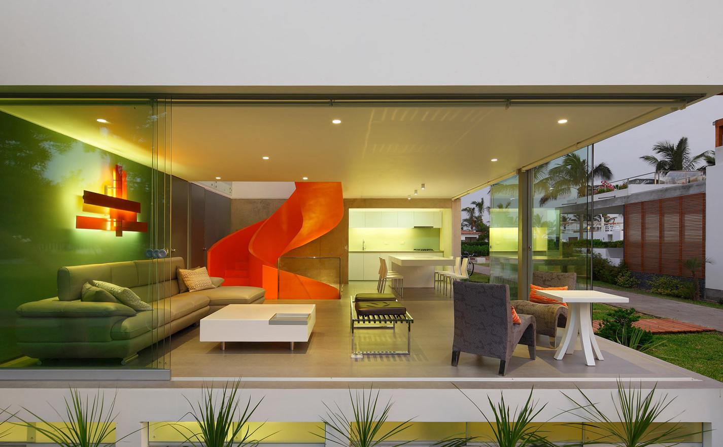 casa-blanca-house-martin-dulanto-sangalli-residential-architecture-lima-peru-orange-staircase-juan-solano_dezeen_1568_15