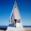 seashore-chapel-beidaihe-new-district-china-beijing-vector-architects-religion-beach-church-light-_dezeen_936_1