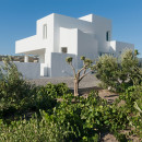 Summer-House-in-Santorini_Kapsimalis-Architects_dezeen_1568_0