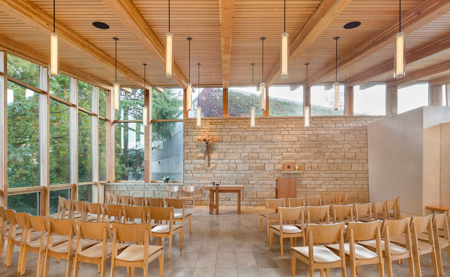 our-lady-of-montserrat-chapel-hennebery-eddy-architects-capitol-hill-jesuit-school-seattle-usa_dezeen_1568_1