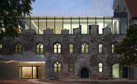 dezeen_Moritzburg-Museum-Extension-by-Niento-Sobejano-Arquitectos-top1
