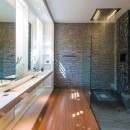 11_Matser_Bathroom_02