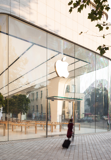 Apple Brussels Store Jonathan Ive