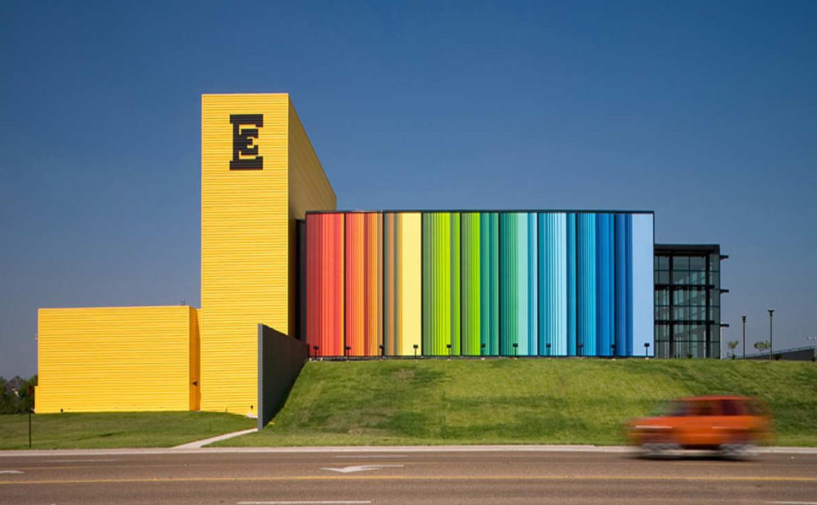 Edcouch-Elsa ISD Fine Arts Center : Kell Muñoz