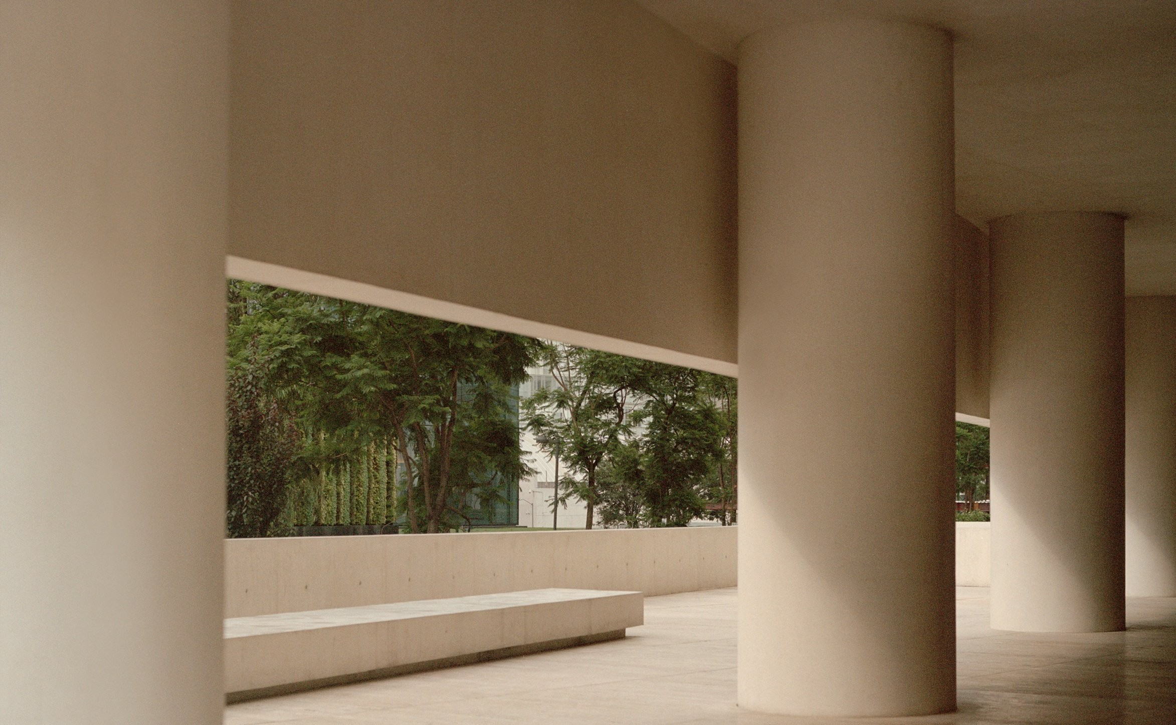 museo-jumex-david-chipperfield-architects-and-photographed-rory-gardiner_dezeen_2364_col_8
