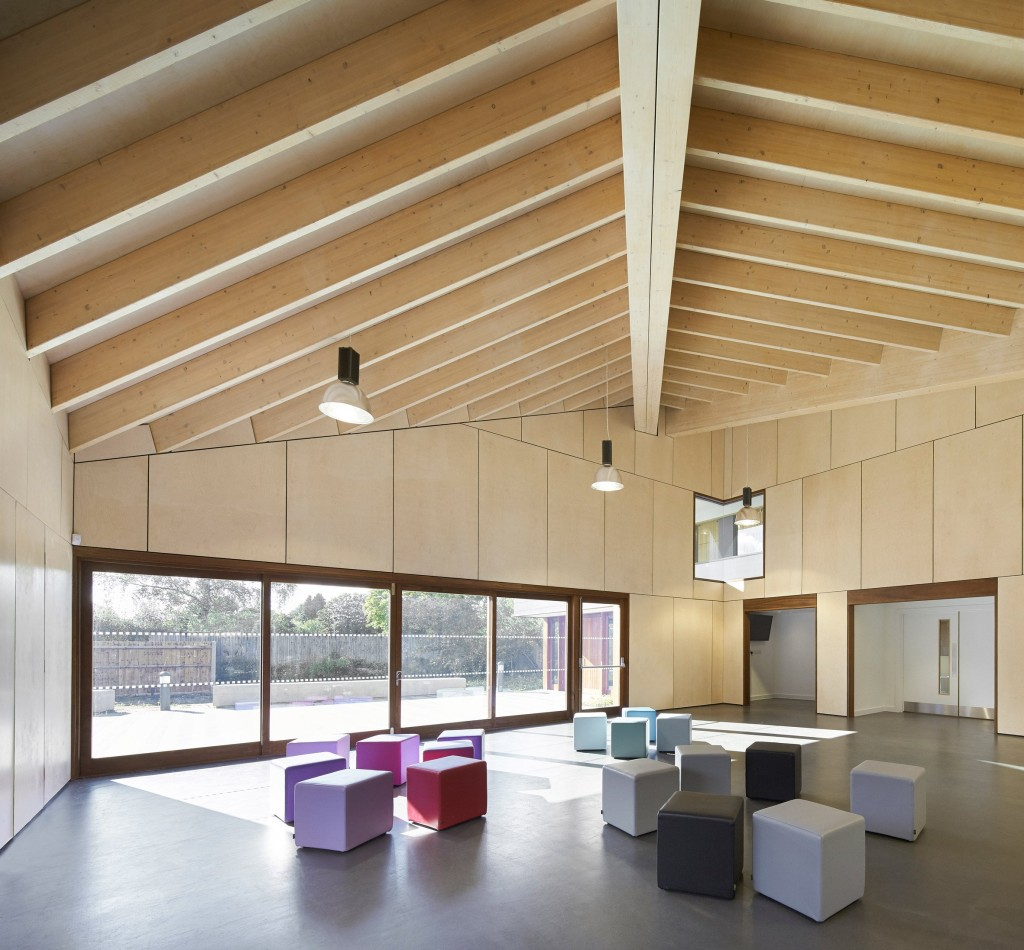 Hampshire youth center ayre chamberlain gaunt for Youth center architecture