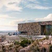franklin-mountain-house-hazelbaker-rush-el-paso-texas-house-stone-desert0A_dezeen_2364_col_15