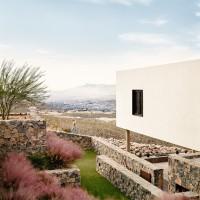 franklin-mountain-house-hazelbaker-rush-el-paso-texas-house-stone-desert0A_dezeen_2364_col_8