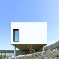 franklin-mountain-house-hazelbaker-rush-el-paso-texas-house-stone-desert_dezeen_2364_col_0
