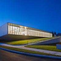 waterdown-library-civic-centre-rdha-ontario-toronto-hillside-cantilever-stone-glass_dezeen_13
