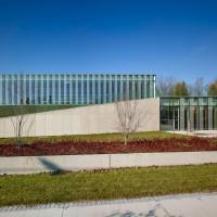 xxwaterdown-library-civic-centre-rdha-ontario-toronto-hillside-cantilever-stone-glass_dezeen_7