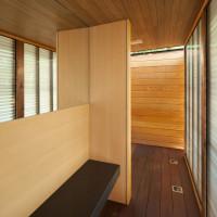 clearview-pavilion-veranda-pool-house-garden-spruce-toronto-amantea-architects-ontario-canada-canadian_dezeen_24