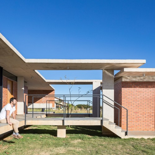 casa-vila-rica-bloco-arquitetos_dezeen_2364_col_19