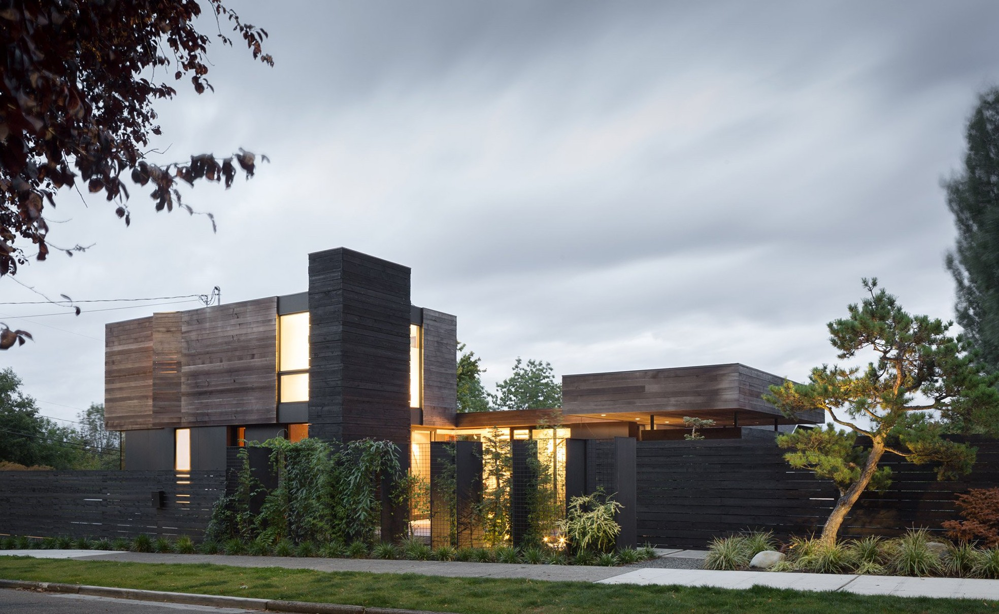 helen-street-mw-works-seattle_dezeen_2364_hero