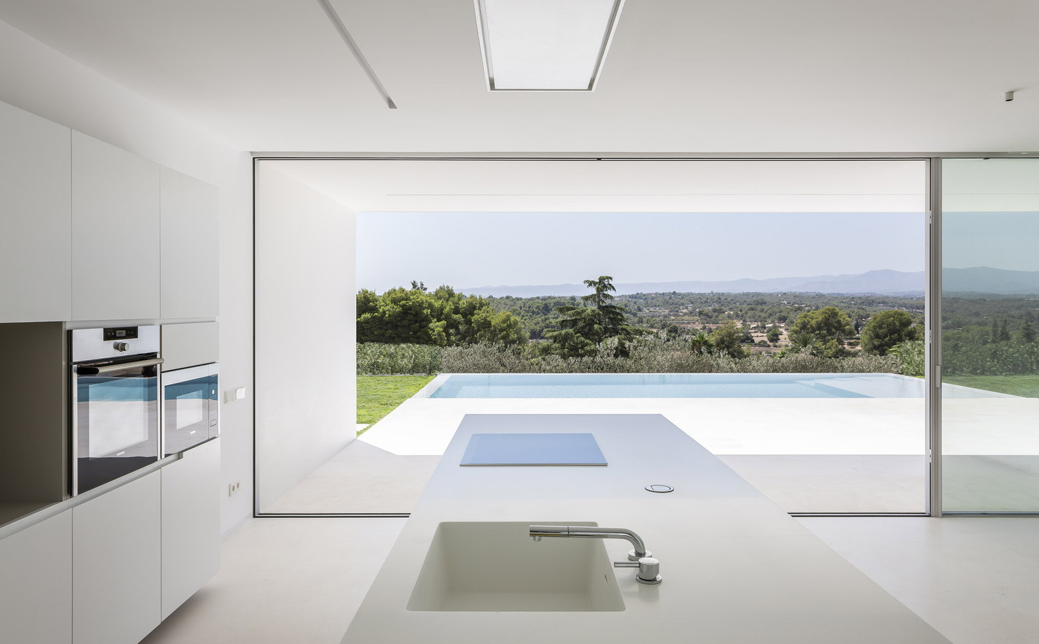 Modern Design House on the Olive Trees | Gallardo Llopis