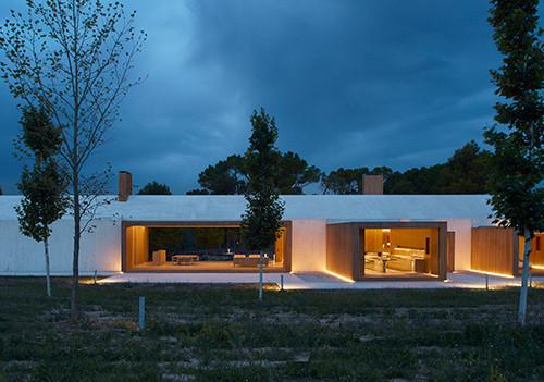 cottage-vineyard-Ramón-Esteve-Estudio-designboom-13
