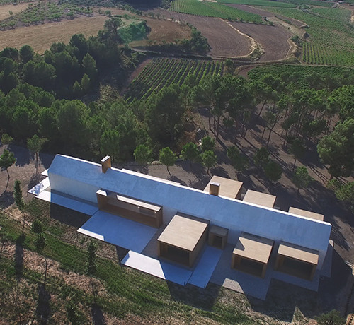 cottage-vineyard-Ramón-Esteve-Estudio-designboom-15