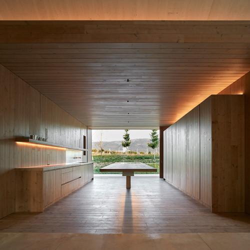 cottage-vineyard-Ramón-Esteve-Estudio-designboom-7
