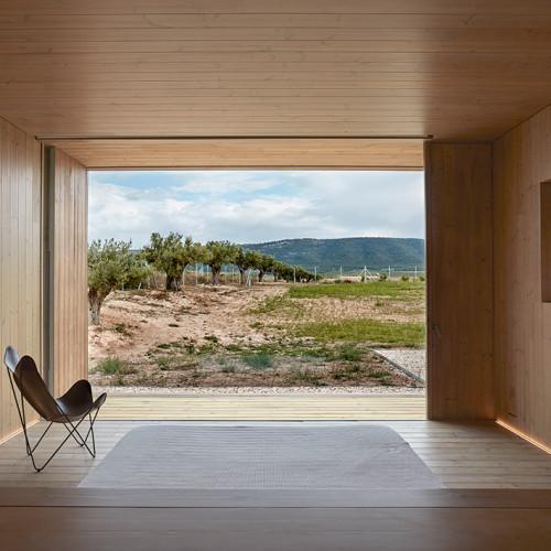 cottage-vineyard-Ramón-Esteve-Estudio-designboom-8