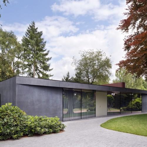 villa-x-barcode-architecture-residential-netherlands_dezeen_2364_col_0-1704x1136
