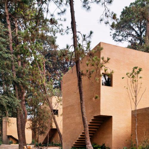 entre-pinos-house-by-taller-hector-barroso_dezeen_2364_col_1