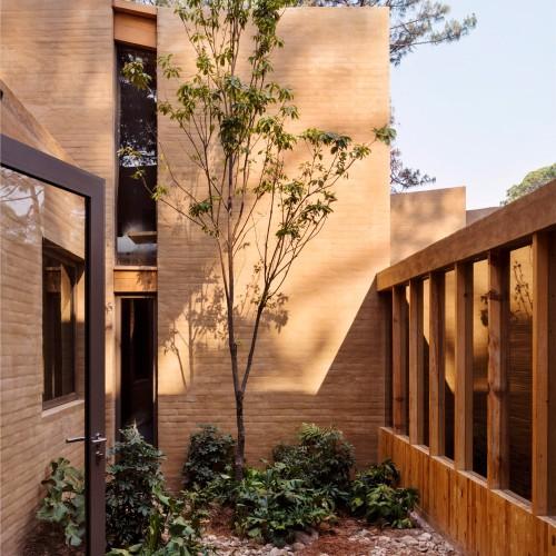 entre-pinos-house-by-taller-hector-barroso_dezeen_2364_col_7